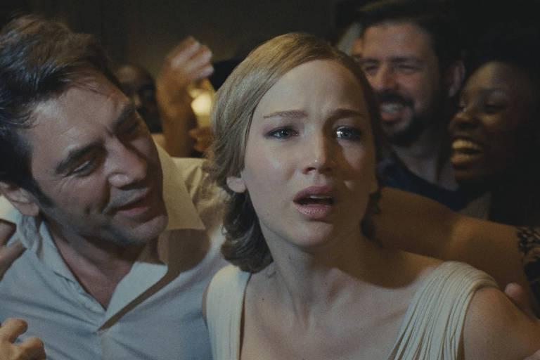 Bardem e Lawrence no filme, exibido no Festival de Veneza