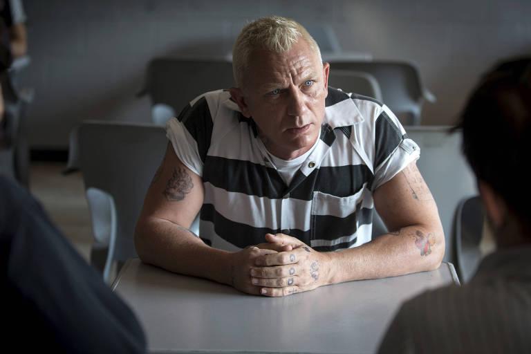 Daniel Craig em cena do filme 'Roubo em Família' ('Logan Lucky'), de Steven Soderbergh