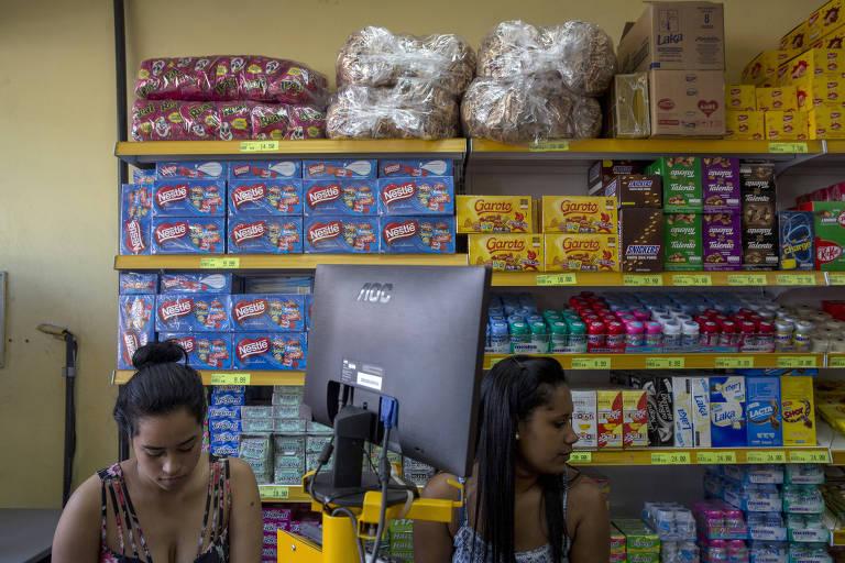 Doces e chocolates em mercadinho de São Paulo