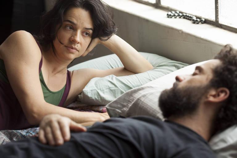 Os atores Raquel Karro e Rodrigo Bolzan formam o casal de artistas do longa 'Pendular