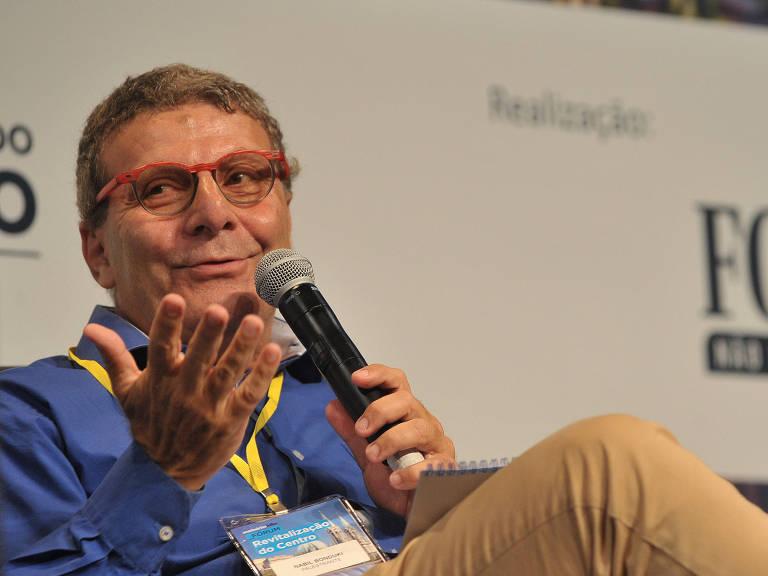 O ex-secretário de Cultura Nabil Bonduki fala no seminário Revitalização – Reinaldo Canato/Folhapress