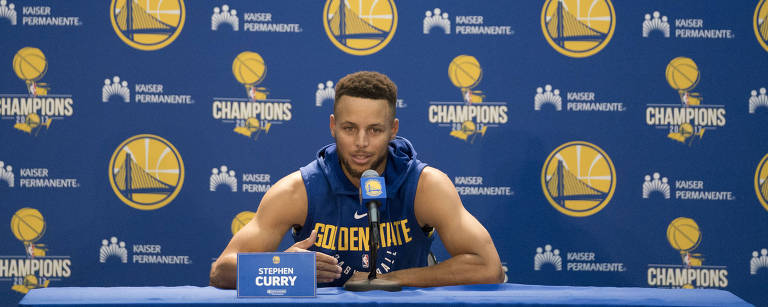 Stephen Curry, do Golden State Warriors, em evento de mídia na sexta-feira (22) – Kyle Terada/USA Today Sports