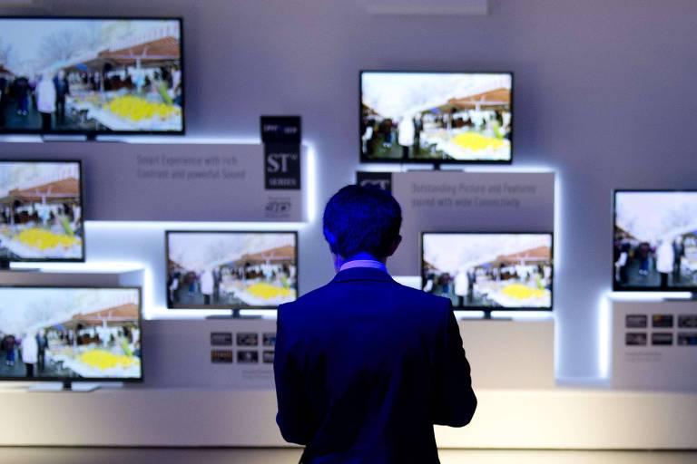 Televisores expostos em feira na Alemanha