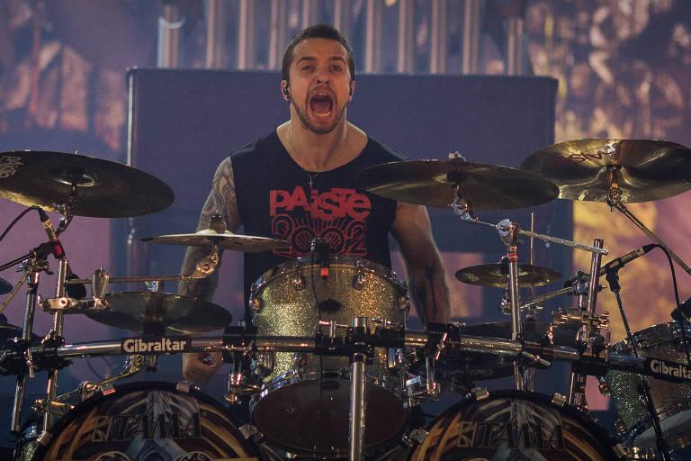 Show da banda Sepultura, no palco Sunset, no quarto dia do segundo final de semana do Festival Rock in Rio, no Rio de Janeiro
