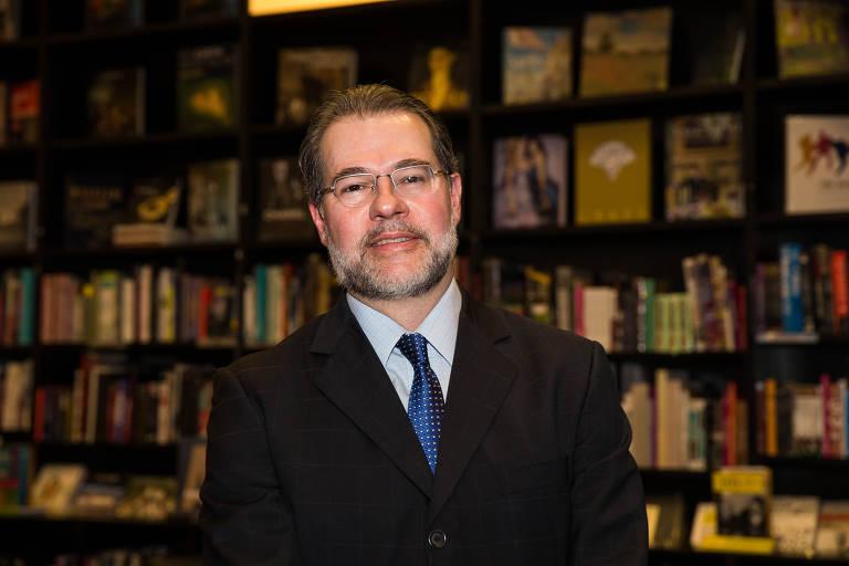 """Lan�amento do livro """"Pris�o e Medidas Cautelares Diversas"""", de Rodrigo Capez"""