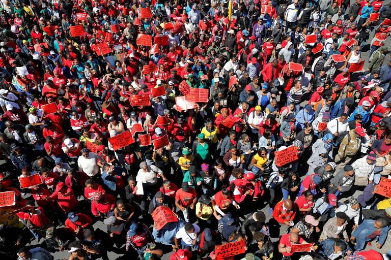 Sul-africanos protestam contra o governo Zuma na Cidade do Cabo