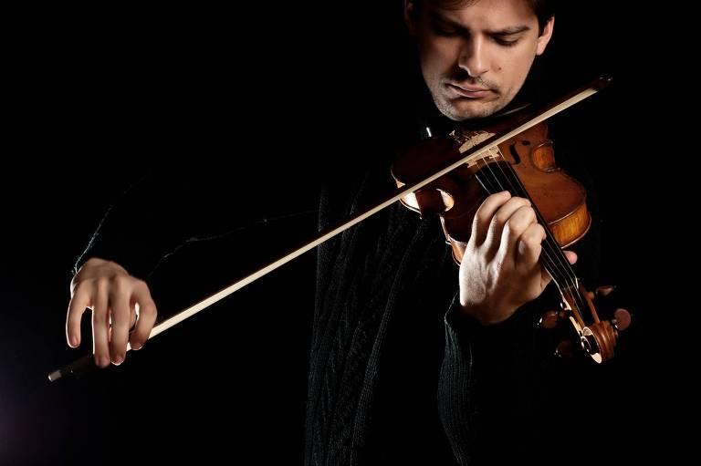 Luíz Filíp, violinista brasileiro que integra a Filarmônica de Berlim, participa de concerto na Sala São Paulo