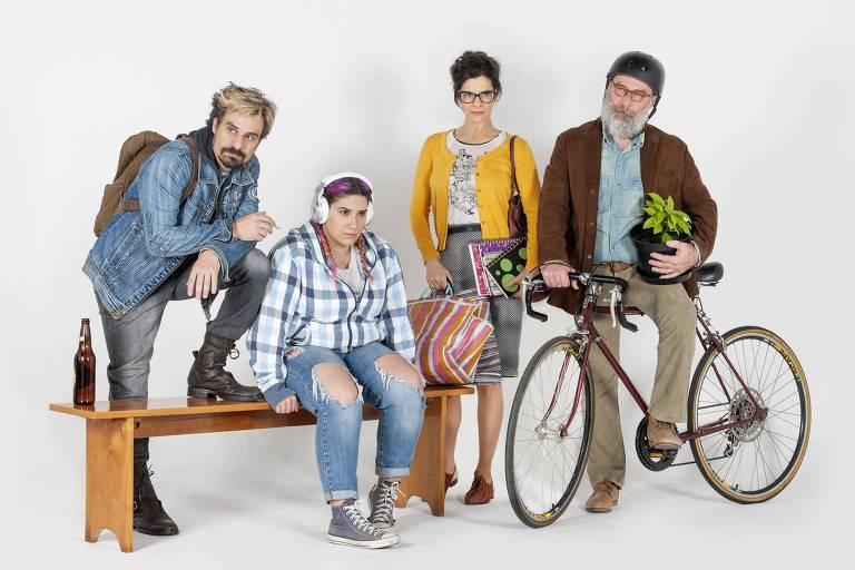 Luciano Gatti, Liv Zieze, Helena Ranaldi e Leopoldo Pacheco interpretam família com dificuldade de comunicação