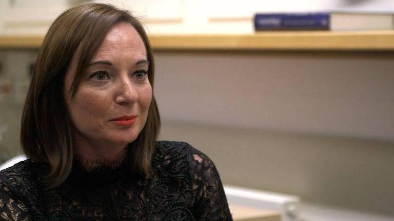 Sarah Ashley, também paciente, melhorou depois de sessões de terapia