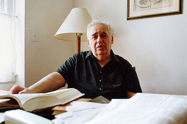 O cr�tico liter�rio norte-americano Harold Bloom