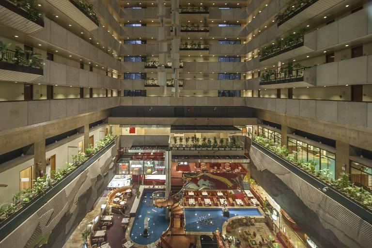 Vão interno do hotel Maksoud Plaza