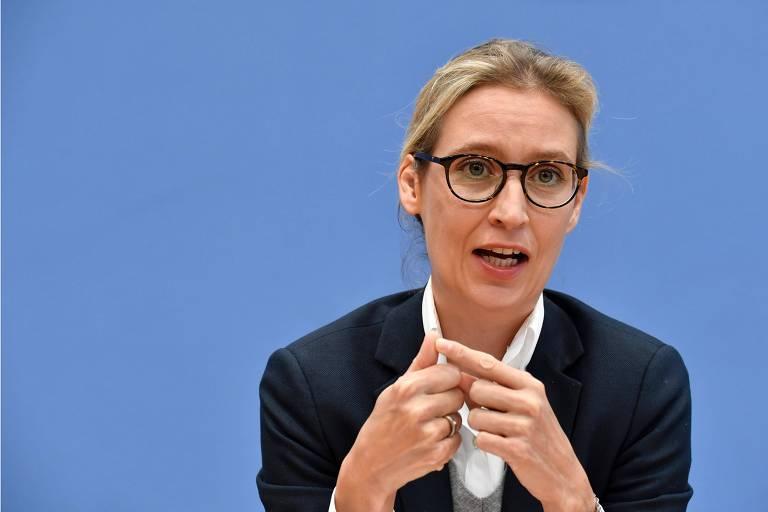 Alice Weidel em entrevista coletiva da AfD em Berlim