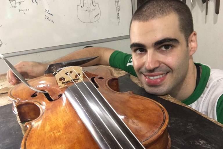 Violinista e luthier