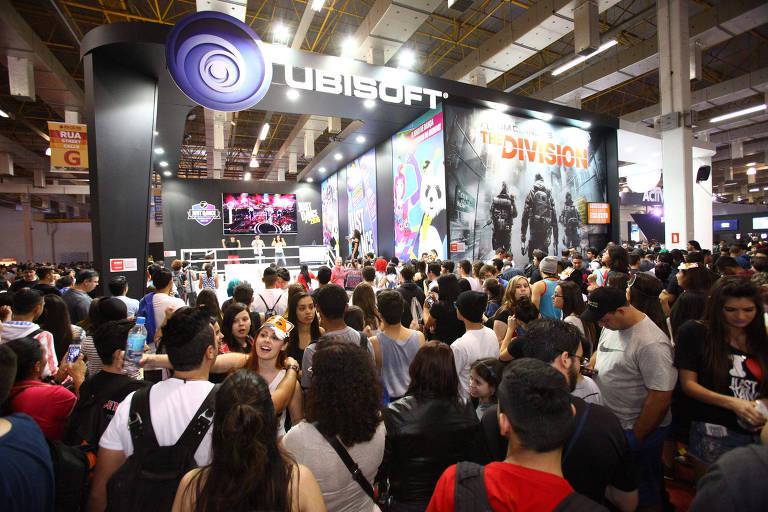 Fãs de videogames participam da edição de 2016 da Brasil Game Show