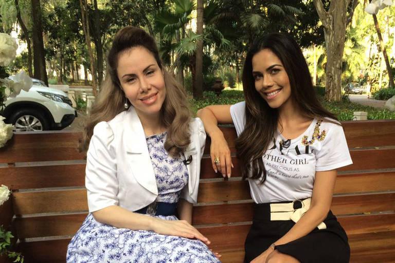 """Sarah Sheeva em entrevista à Dani Abulquerque, no programa """"Sensacional"""" (Rede TV!)"""
