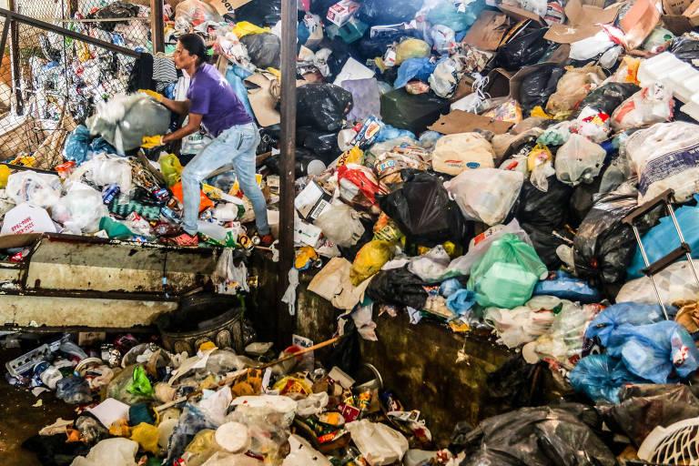 Tratamento do Lixo em Nova Esperan�a (PR)