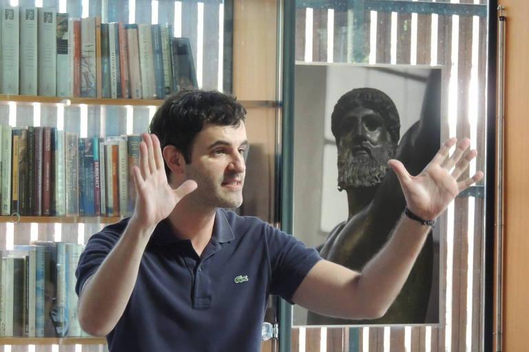 O ator Rodrigo Lopez organizou uma série de cursos sobre a Grécia Antiga
