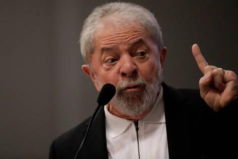 Lula reclama do juiz em estreia como comentarista da Copa e critica seleção