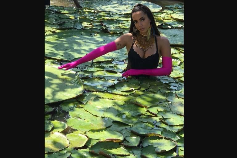 Anitta grava clipe na Amazônia com DJ Alesso