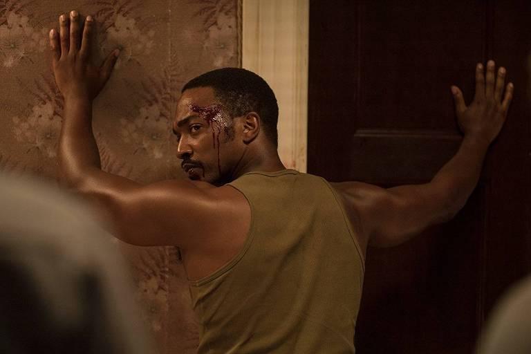 O ator Anthony Mackie em cena do filme 'Detroit em Rebelião