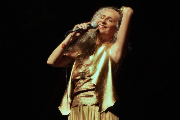 A cantora Maria Bethânia se apresenta no Citibank Hall