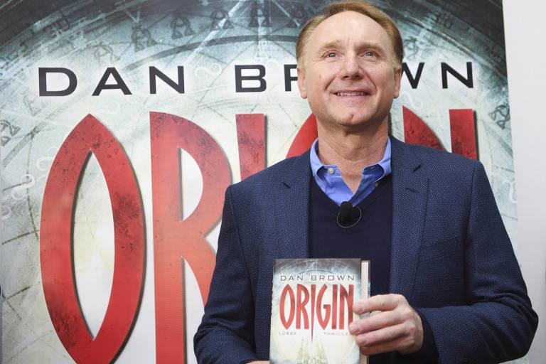 """O escritor Dan Brown lança seu novo livro, """"Origem"""", na Feira de Frankfurt"""