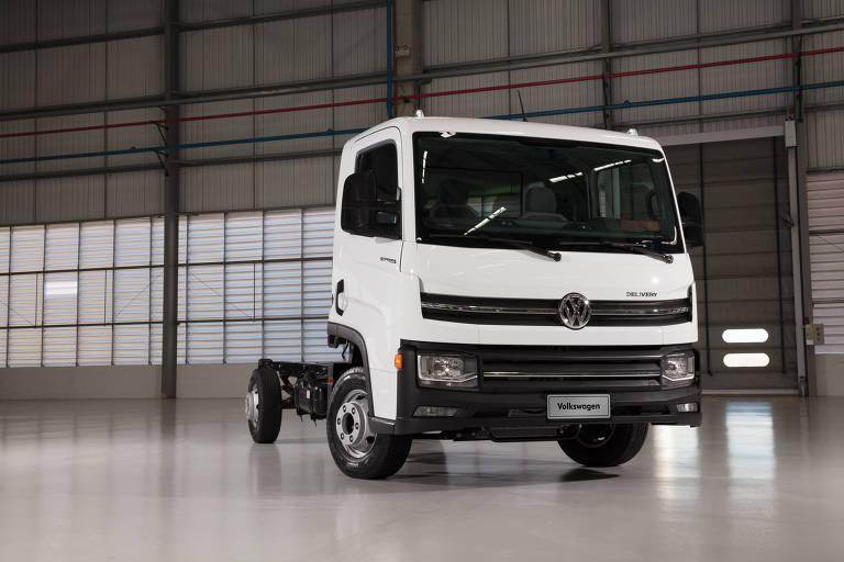 Volks apresenta caminhão que dispensa necessidade de habilitação especial