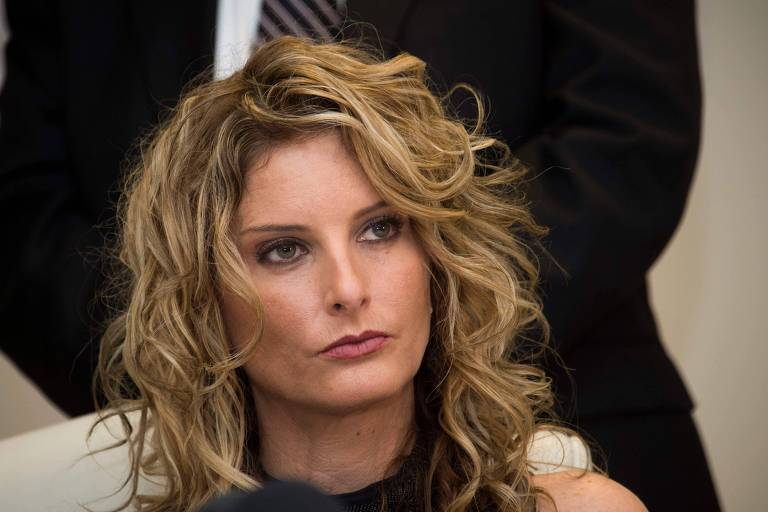 "FILES): This file photo taken on January 17, 2017 shows Summer Zervos attending a press conference with her attorney Gloria Allred (not seen) to announce the filing of a lawsuit against President-elect Donald Trump, in Los Angeles, California, on January 17, 2017. Zeros, a former contestant on Trumps's reality television progam ""The Apprentice"", who has accused President Trump of groping her in 2007, is subpoenaing the Trump campaign for any documents on ""any woman alleging that Donald J. Trump touched her inappropriately,"" BuzzFeed News reported Sunday, October 15, 2017. / AFP PHOTO / VALERIE MACON ORG XMIT: 01"