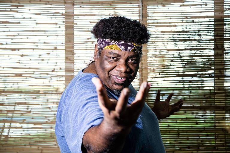 O ator S�rgio Loroza, em um condom�nio de classe m�dia no Recreio dos Bandeirantes, no Rio