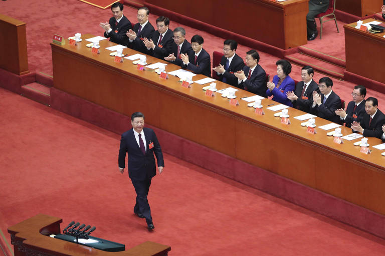 (171018) -- BEIJING, Oct. 18, 2017 (Xinhua) -- Xi Jinping is to deliver a report to the 19th National Congress of the Communist Party of China (CPC) on behalf of the 18th Central Committee of the CPC at the Great Hall of the People in Beijing, capital of China, Oct. 18, 2017. The CPC opened the 19th National Congress at the Great Hall of the People Wednesday morning. (Xinhua/Pang Xinglei) (lb)