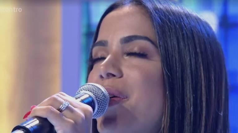Anitta aparece com aliança em programa da TV Globo na última sexta-feira (13)