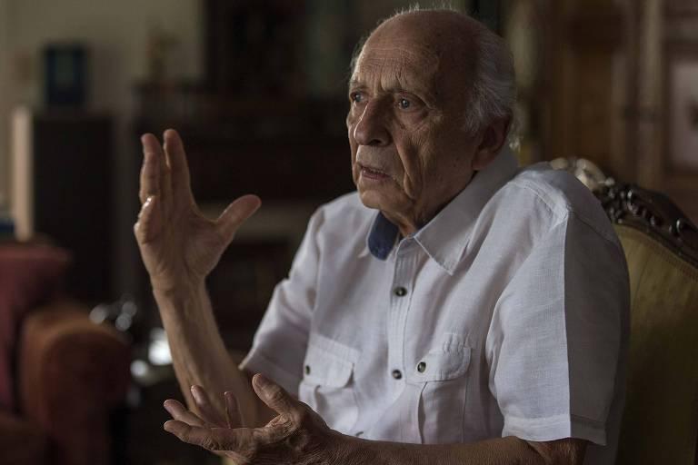 Rubens Ricupero durante entrevista em sua residência, em São Paulo