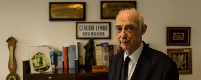 O ex-governador Cláudio Lembo em seu escritório de advocacia, na região da avenida Paulista – Avener Prado - 23.mar.2016/Folhapress