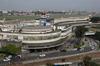 Vista da fachada do aeroporto de Congonhas (SP)