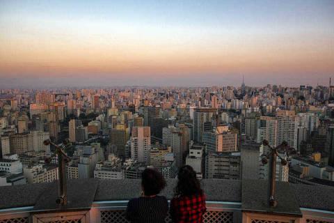 SÃO PAULO, SP, BRASIL, 25-07-2017: Seca em São paulo. Vista do Edifício Itália, centro da cidade. (Foto: Giovanni Bello/Folhapress, COTIDIANO) ***EXCLUSIVO FOLHA**** ORG XMIT: 30894
