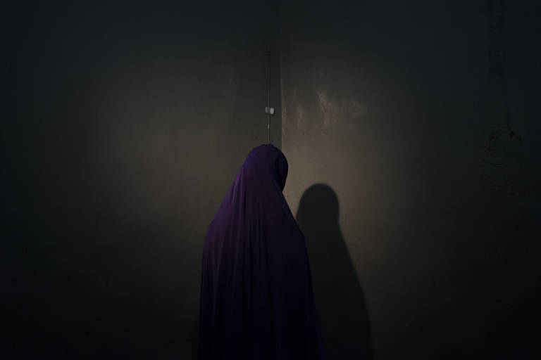 Maimuma, 14, disse que se recusou a ser mais uma entre centenas de meninas-bomba do Boko Haram