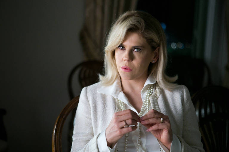 Bárbara Paz em cena de 'O Outro Lado do Paraíso' como a personagem Jô