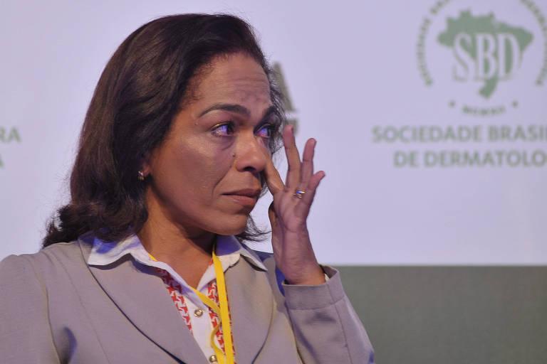A médica Elisabeth Lima Barboza durante o Fórum Saúde da Pele