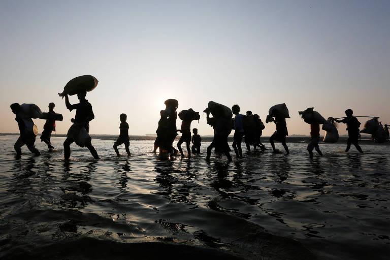 Rohingyas fogem do Mianmar