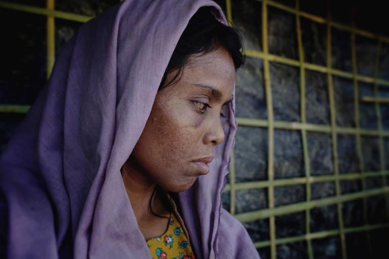 Rashida viu sua filha ser morta na sua frente; seu marido foi levado pelos militares e ela não sabe se ele ainda vive.