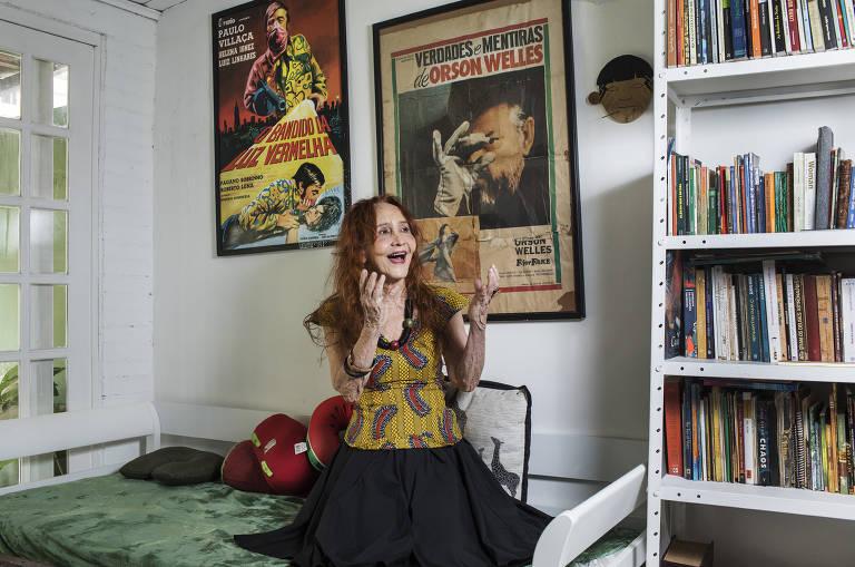 A atriz Helena Ignez participa da leitura da peça 'Sísifo (Transe Remix #0)'