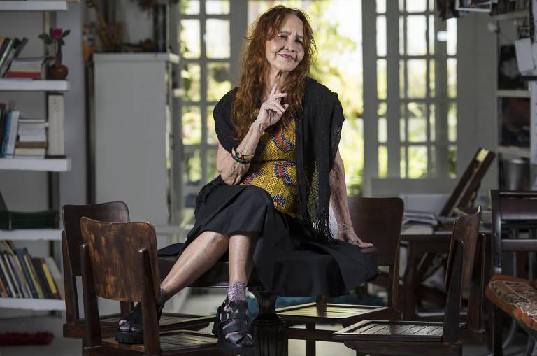 A atriz e diretora Helena Ignez em seu apartamento no centro de São Paulo