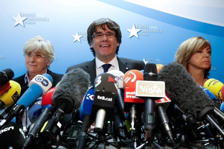 Carles Puigdemont, presidente destituído da Catalunha, dá entrevista coletiva em Bruxelas