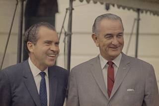 Richard Nixon, Lyndon Johnson