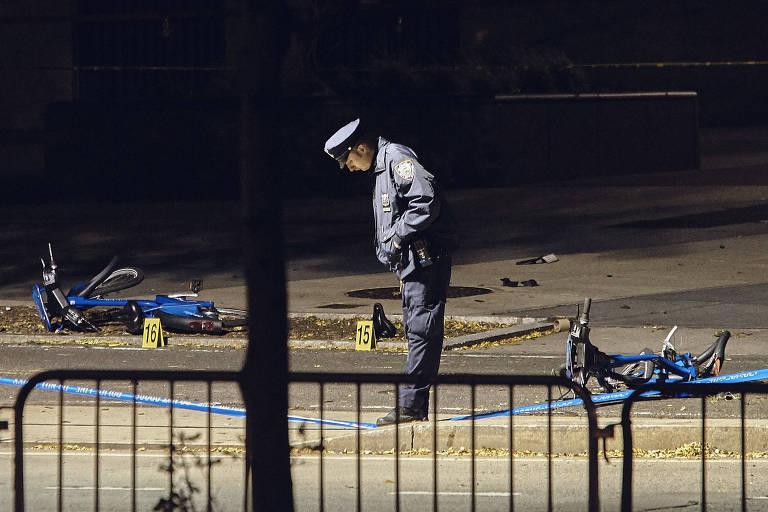 Policial faz a guarda do local do atropelamento