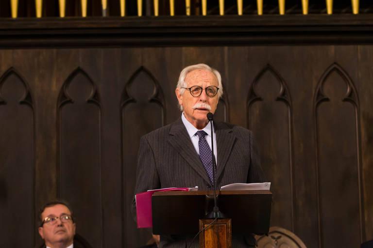 O advogado Modesto Carvalhosa participa do lançamento do manifesto na Igreja Presbiteriana