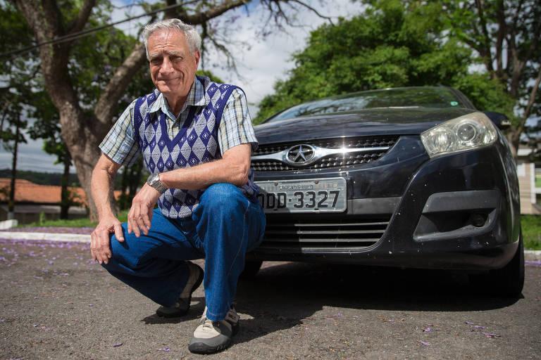 Ossada suspeita de ser de João Leonardo da Silva Rocha, morto na ditadura militar, é exumada em Palmas do Monte Alto (BA)