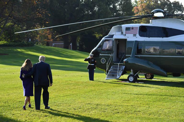 Donald Trump e a primeira-dama, Melania, antes de embarcarem em Washington para a viagem à Ásia