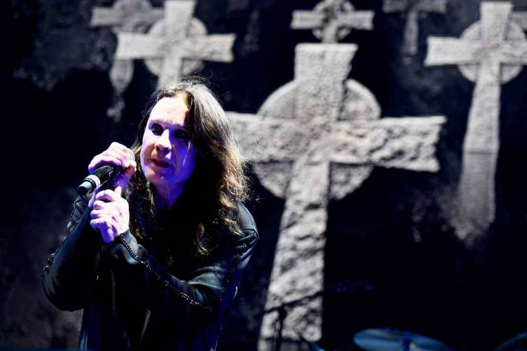 O vocalista do Black Sabbath far� turn� mundial de despedida que vai durar at� 2020
