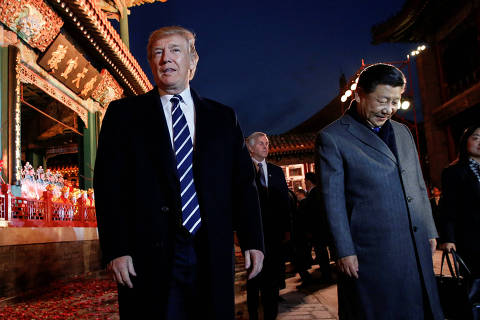 U.S. President Donald Trump and China's President Xi Jinping leave after an opera performance at the Forbidden City in Beijing, China, November 8, 2017. REUTERS/Jonathan Ernst ORG XMIT: WY287